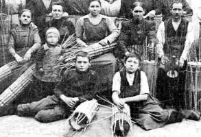 Geschosskorbmacher, Kinderarbeit bei den Korbflechtern in Sand und anderorts war selbst im 20. Jahrhundert noch an der Tagesordnung